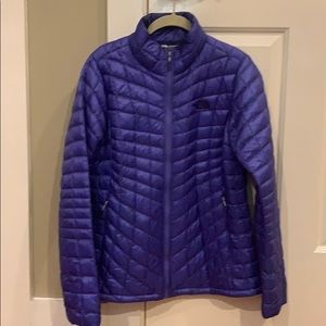 Women's North Face down jacket! M